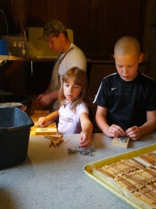 Building clothespins sometimes becomes a family project. With music playing in the background of course...